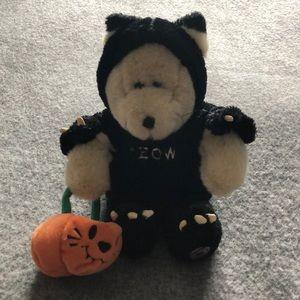 Starbucks collectors bear for Hallowe'en